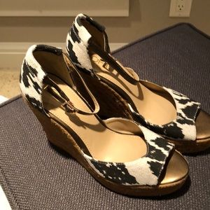 Wedge with ankle strap